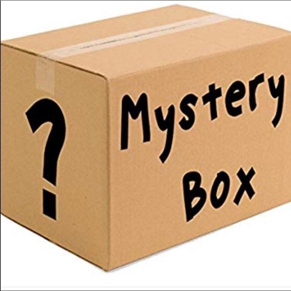 100 Dollar Mystery Box